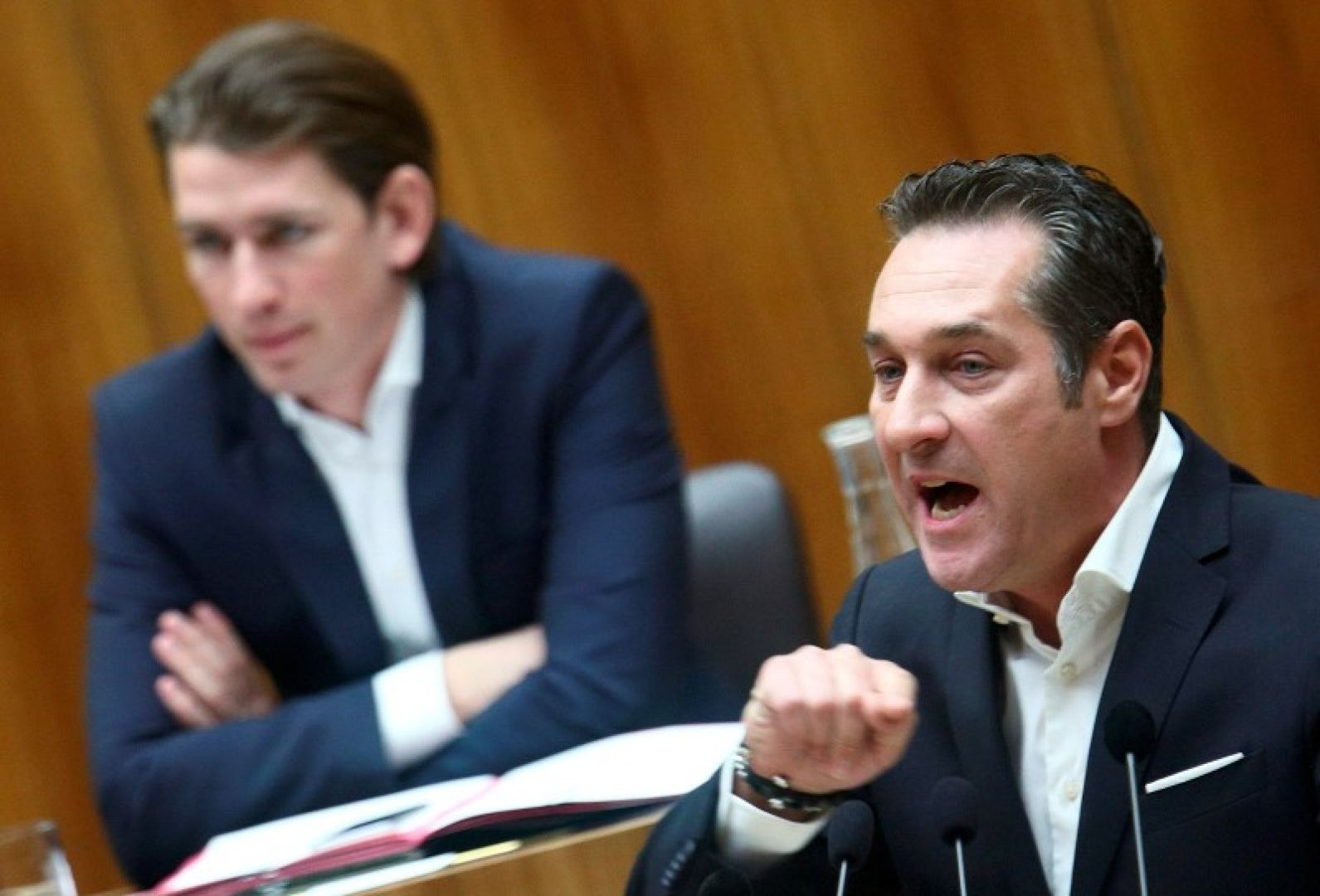 Austrian conservative leader Sebastian Kurz will hold coalition talks with the Freedom Party (FPO)