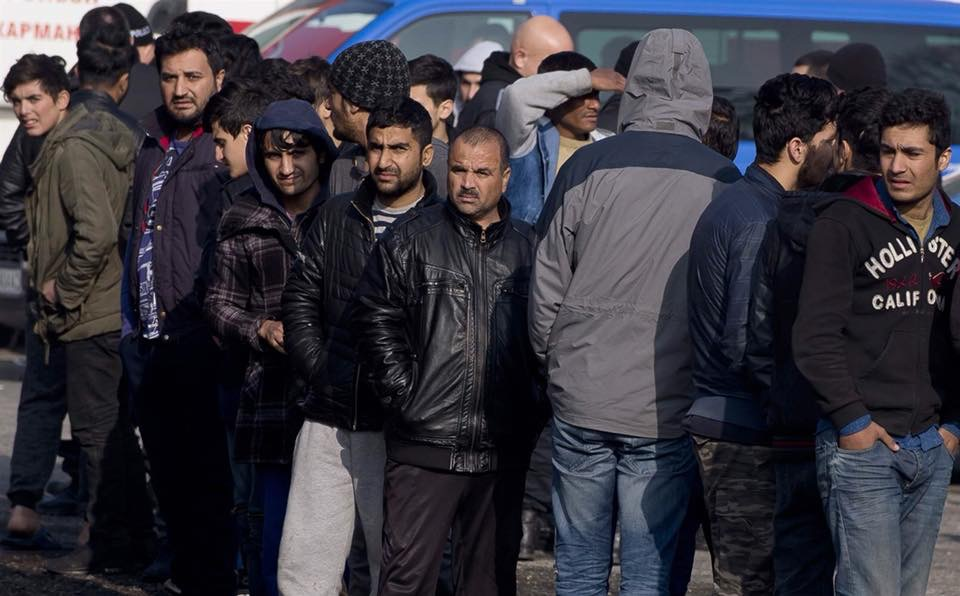 Bulgaria arrests gang suspected of smuggling migrants to Western Europe.