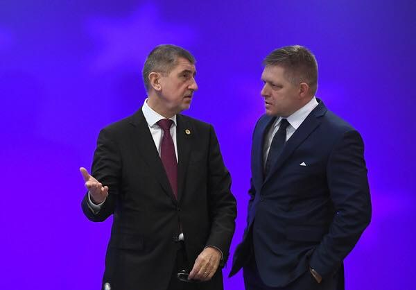 New PM Andrej Babis visits Robert Fico.