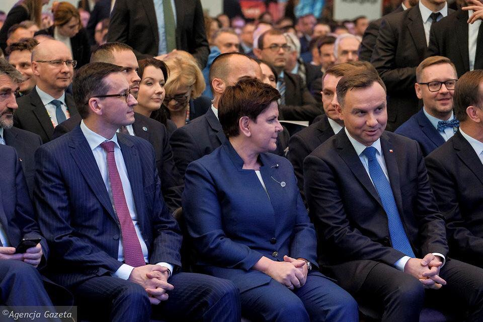 V4 Report:  Law and Justice (PiS) has reshuffled their cabinet in an effort to become even stronger
