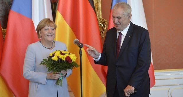 V4 Report:  EU calls on Czech President Zeman to Cooperate.