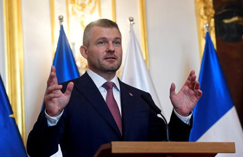 Slovakia rejects UN migration pact