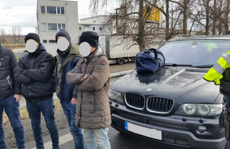 Illegal migrants from Iraq apprehended at Slovakia-Czech Republic border crossing.