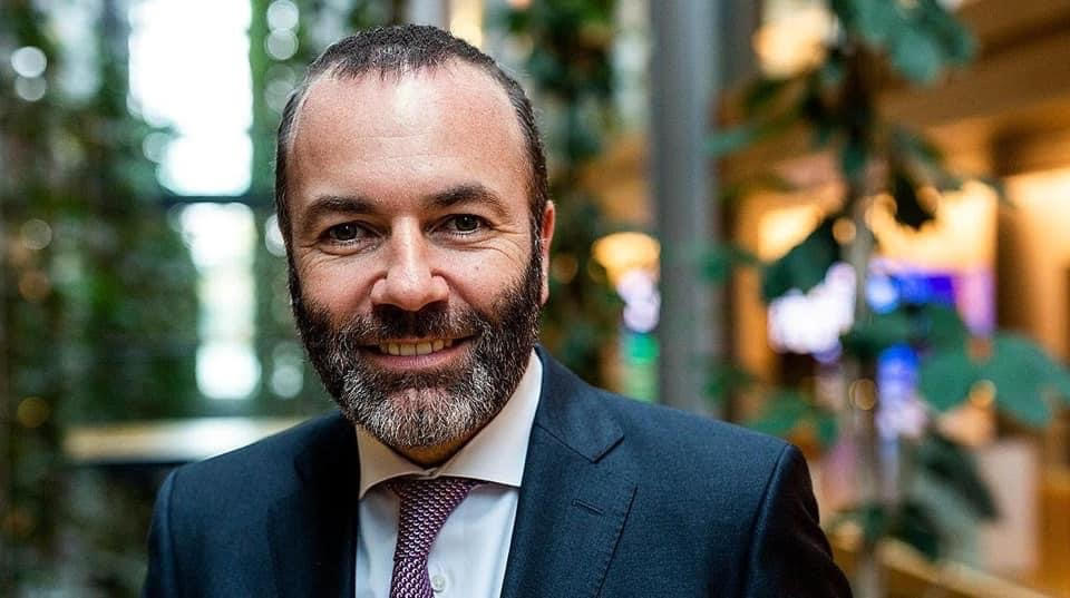 The EU's top political opportunist, Manfred Weber (Germany), calls for the national migration policies of the individual states to be replaced by one EU-wide asylum law. 😳