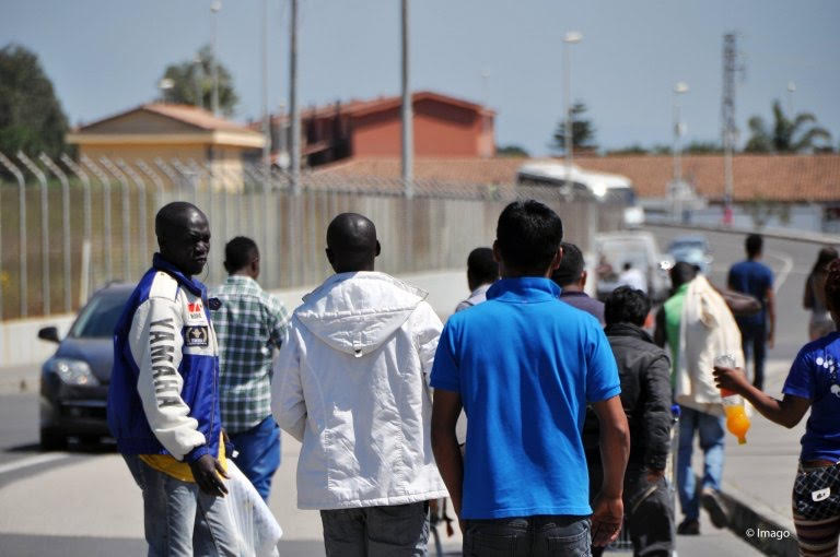 Italy on the brink: 1000 illegals in three days.