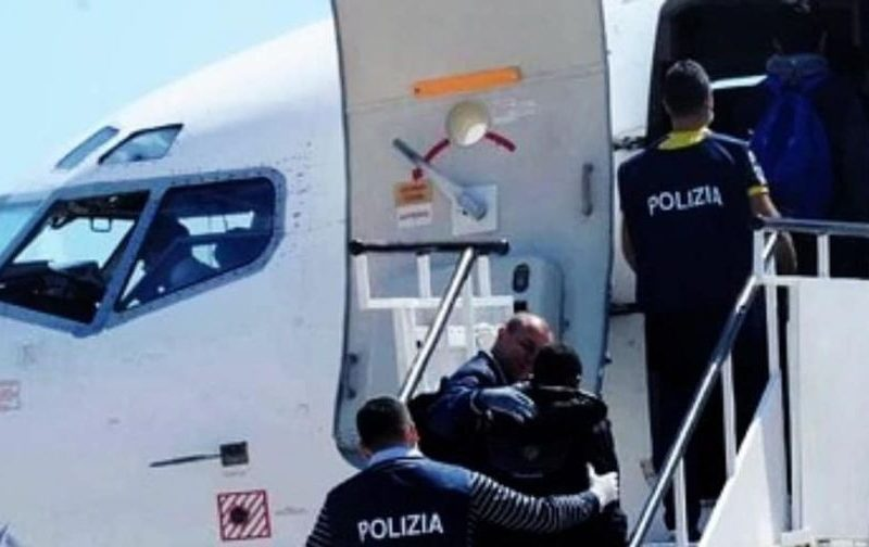Italy: A start…or just a few 'show' deportations?