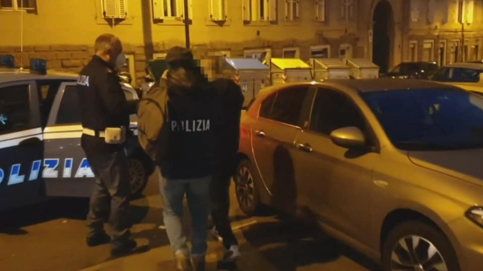 Slovenian women arrested for driving migrants to Italy
